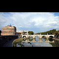 wiki-StAngelo_Bridge_Rome.jpg