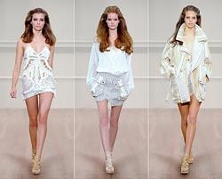 Kolekce Julien MacDonald na Fashion Weeku v Londýně