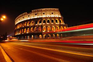 Večerní pohled na Koloseum