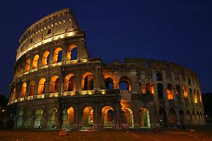 Večerní koloseum, Zdroj: Wikipedia Commons